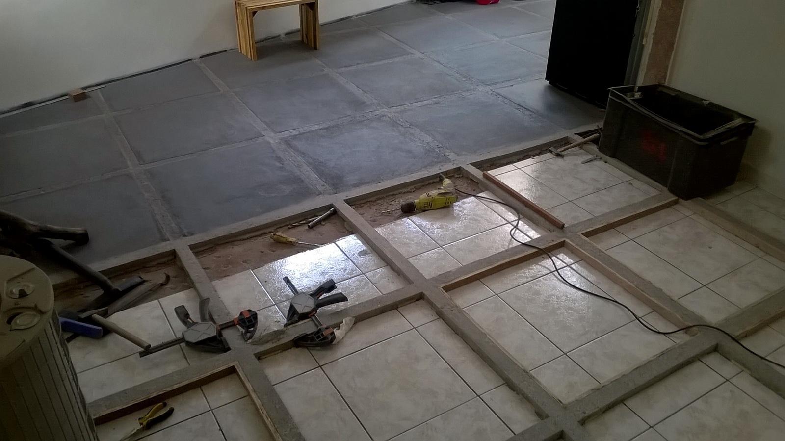 Rattraper niveau sol carrelage barre de seuil rattrapage de niveau parquet carrelage poser une - Il reve couche sur un parquet ...